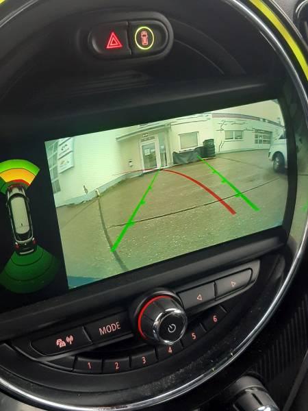 FOTOGALERIA MINI COUNTRYMAN-montáž parkovacej kamery s prenosom obrazu do OEM monitora