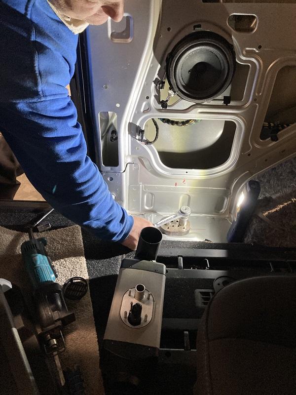 Ford Tourneo Custom Hybrid 2020 montáž nezávislého kúrenia AT2000