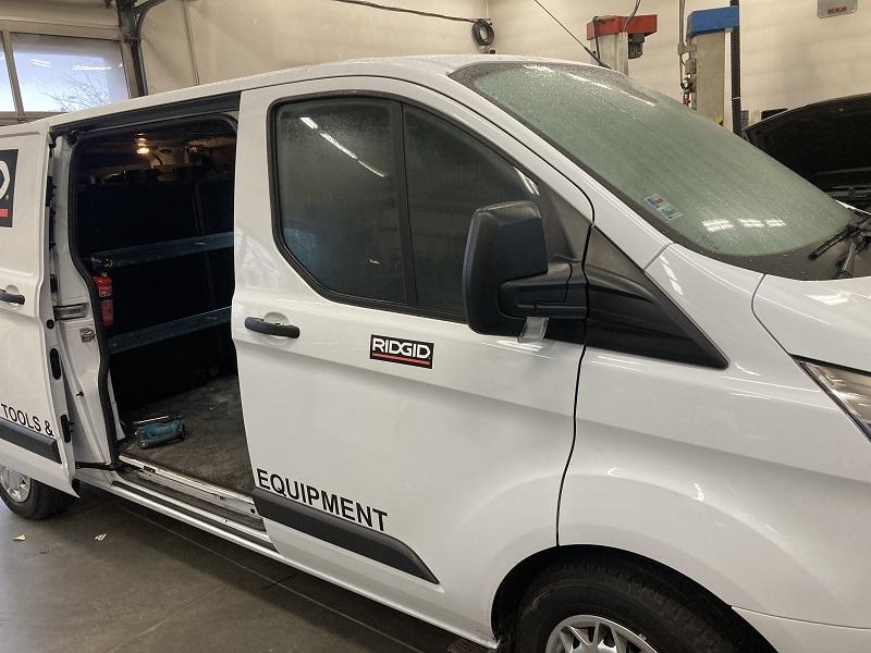 Ford Transit 2018 montáž Webasto AT EVO 40 + prídavná batéria + nabíjačka DEFA