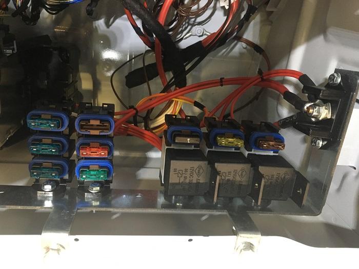MB Sprinter - zateplenie+montáž zadného výparníka+nezávislé kúrenie Webasto+elektroinštalácia